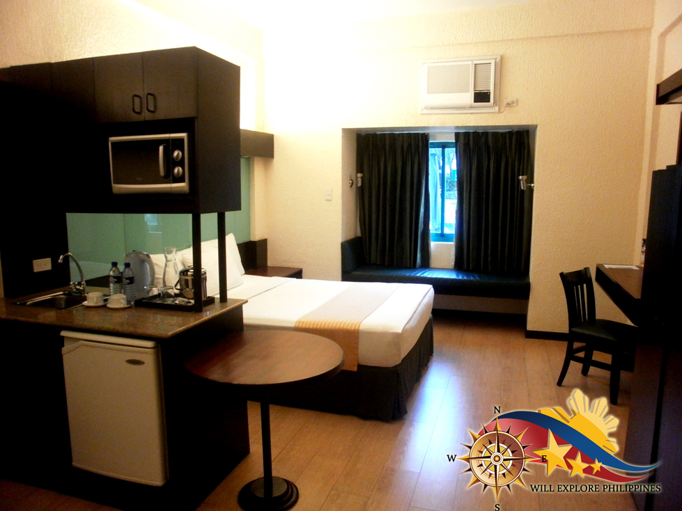 Microtel-Cabanatuan-by-Wyndham-Suite-Room