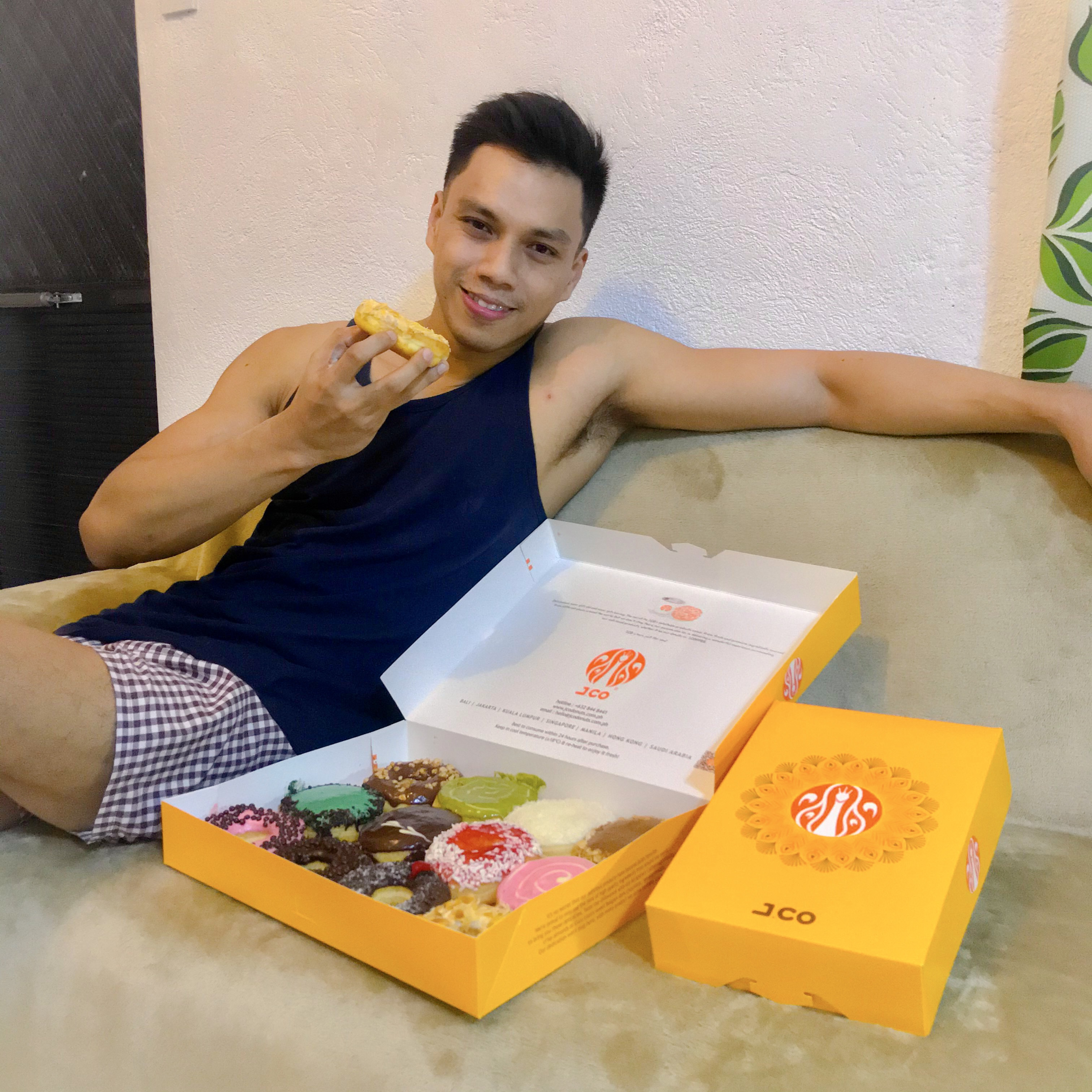 Indulge with Half Dozen of J. Co Donuts for only 1 Peso via GrabFood